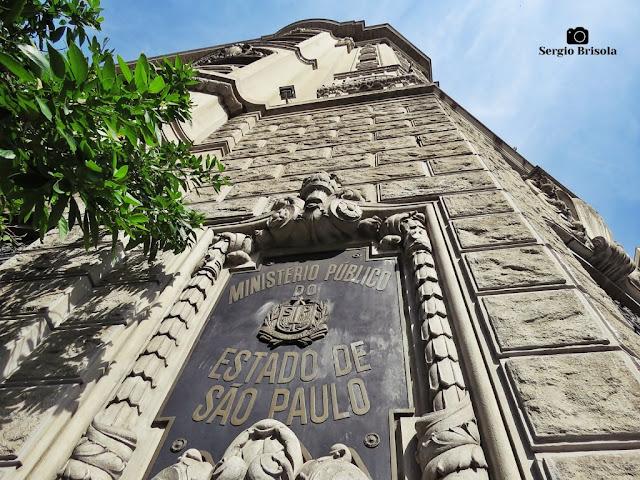 Perspectiva inferior da fachada do prédio do Ministério Publico do Estado de São Paulo - Sé - São Paulo
