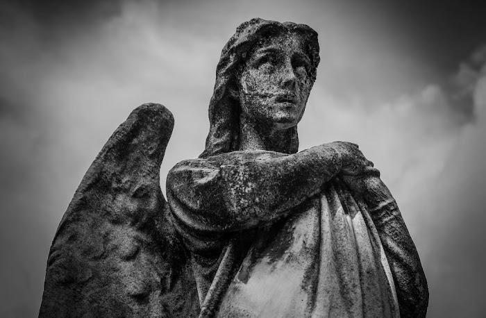 Молитва к Ангелу-хранителю от воздействия тёмных сил