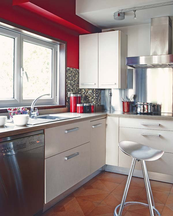 Decoracion actual de moda una cocina muy actual en acero - Cocinas en forma de ele ...