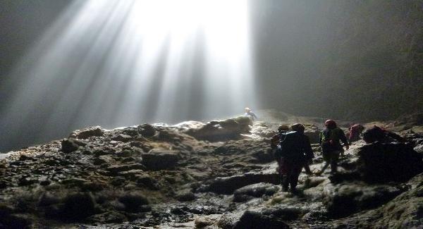 Cahaya Surga Gua Grubug