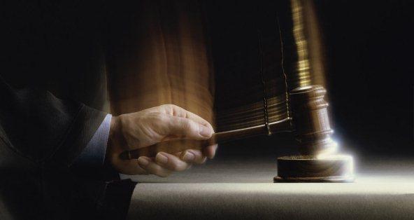 ما الفرق بين الحكم المعدوم والحكم الباطل ؟