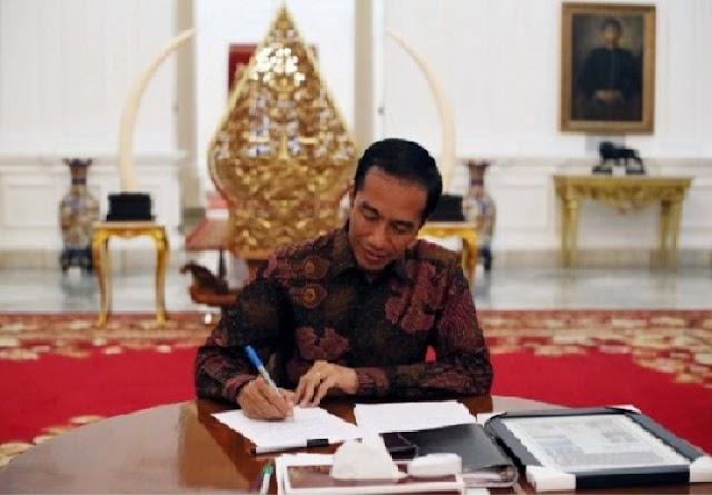 Ternyata, Jokowi Pernah Teken Peraturan Anak Perusahaan BUMN Sama dengan BUMN