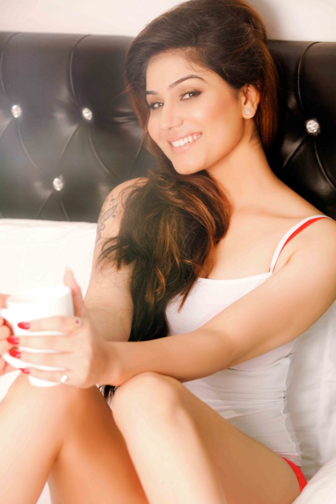 Kangna Sharma Awesome Look Photo Gallery