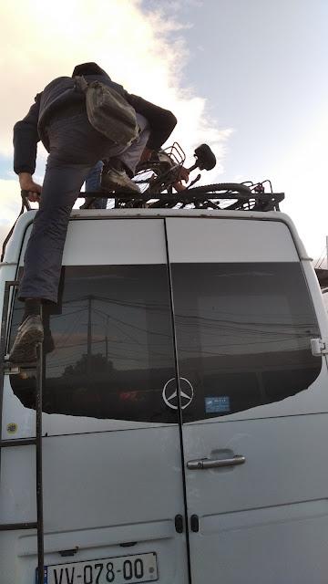 провоз велосипедов в маршрутке Грузии