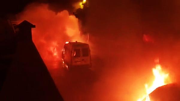 Por qué se incendiaron 8 ambulancias en Telde