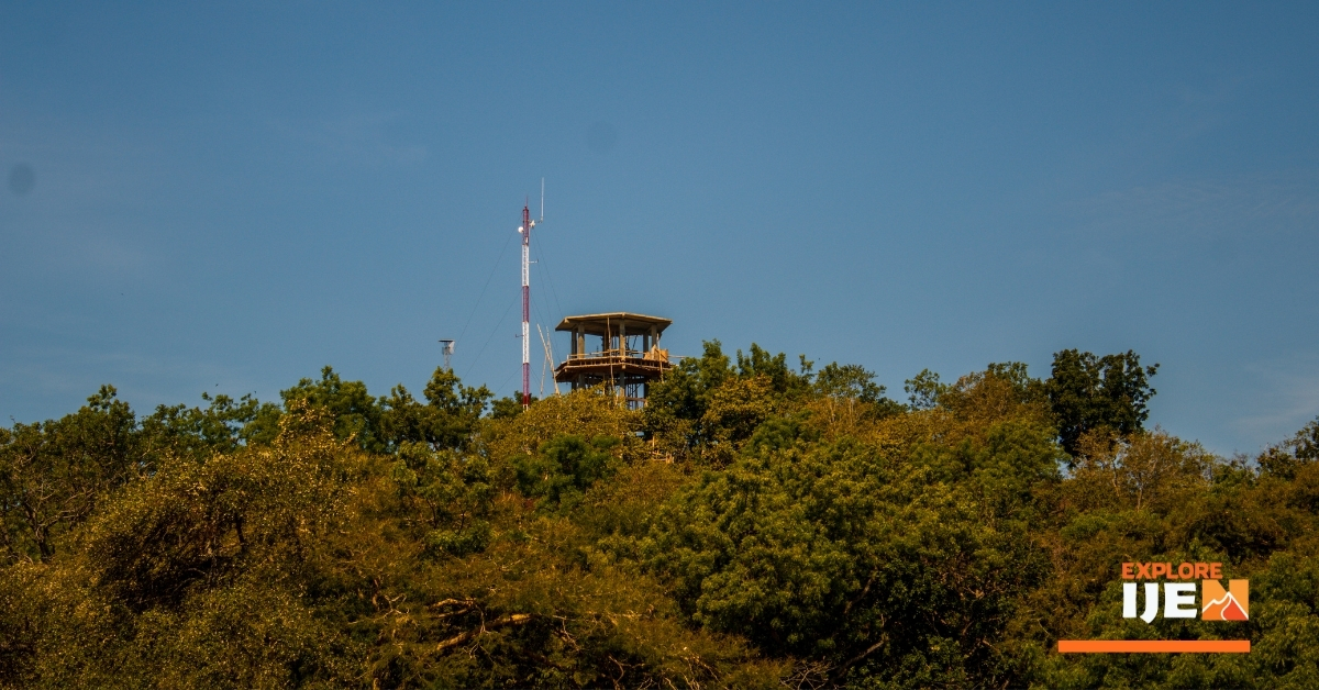 menara pantau savana bekol baluran