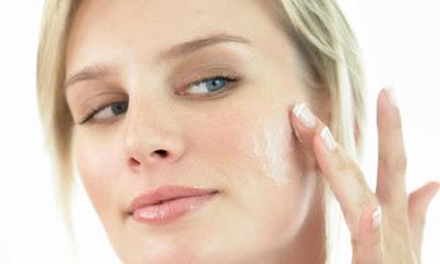 Como eliminar os efeitos da acne e manter o rosto limpo