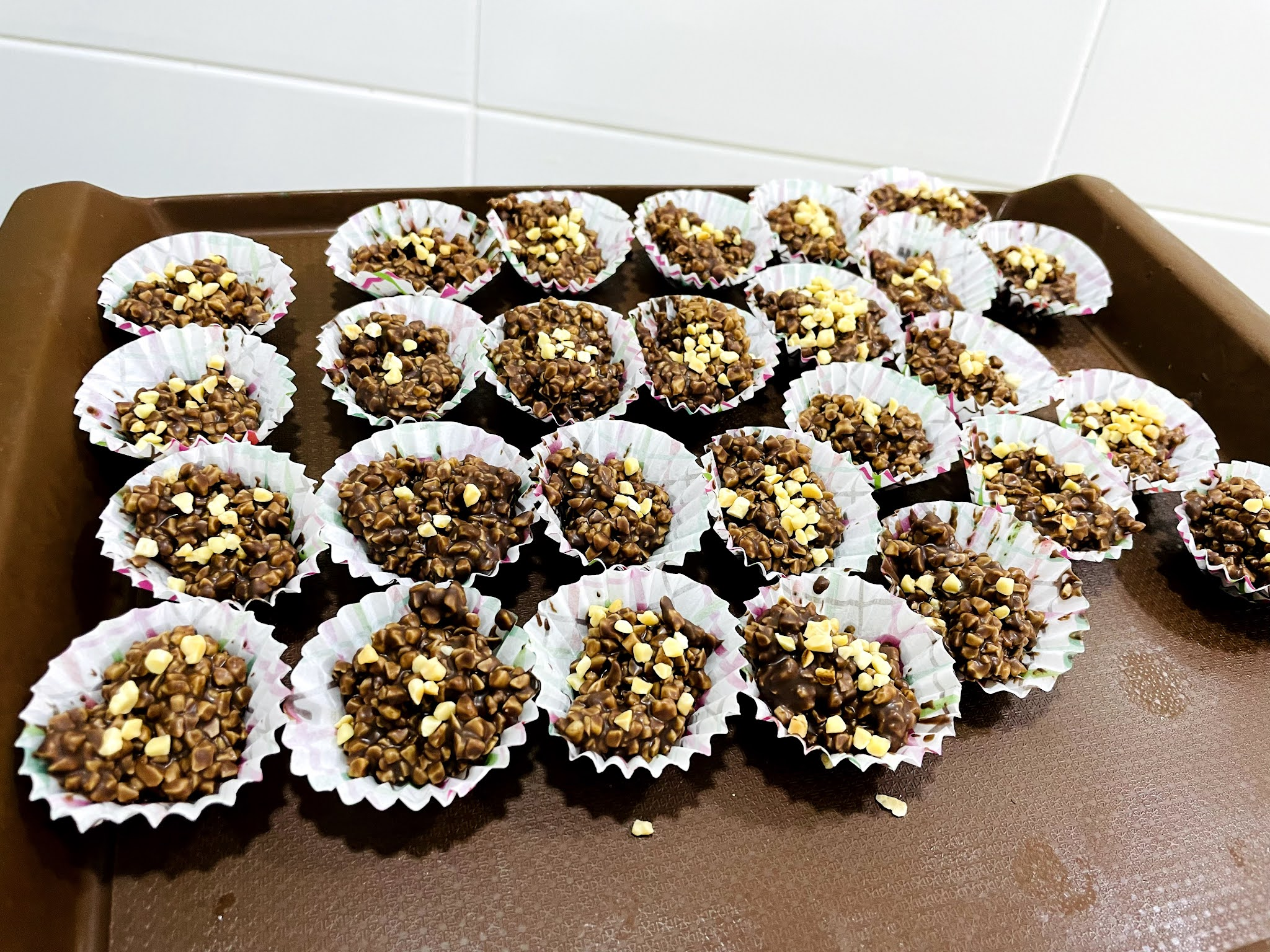 coklat badam viral