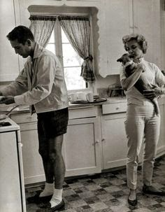 ...and Paul Newman cooks in style