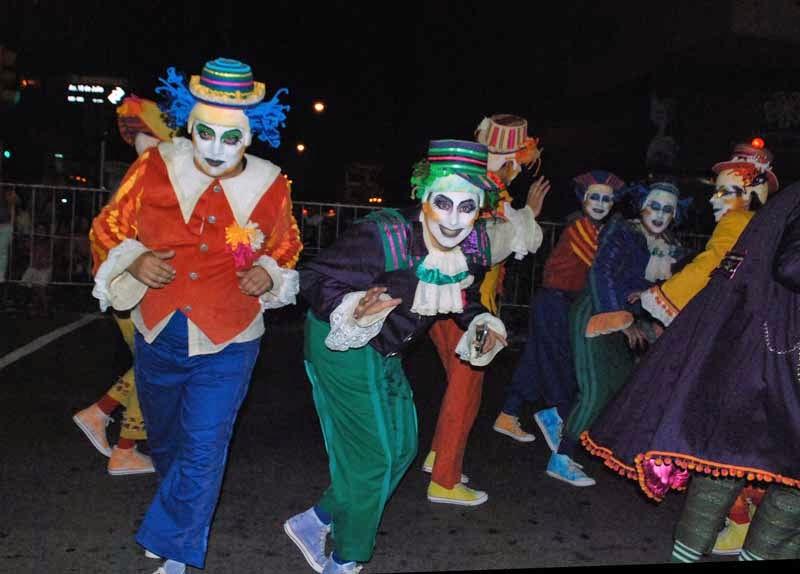 Desfile Inaugural del Carnaval. 2015.A Contramano.