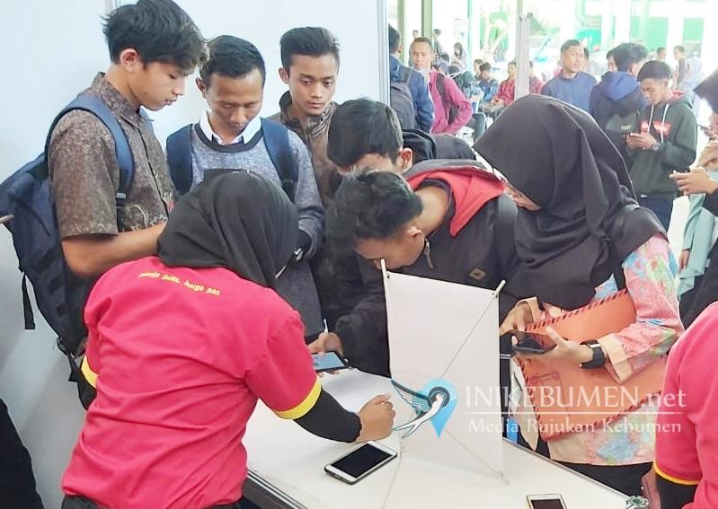 Hari Pertama, Ribuan Pencari Kerja Padati Job Fair di Kebumen
