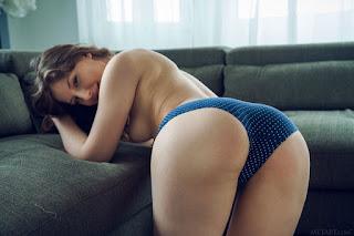 性感的成人图片 - satin_stone_23_35092_4.jpg