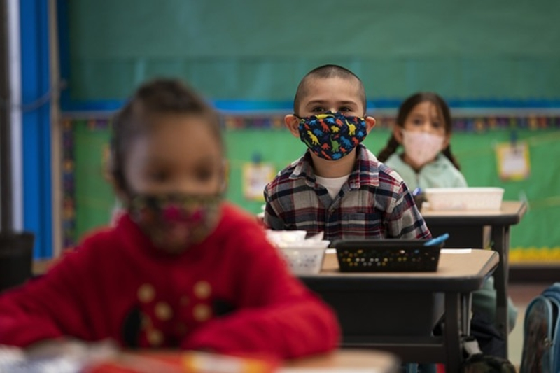 Korona gölgesinde eğitim dünyada nasıl işliyor?