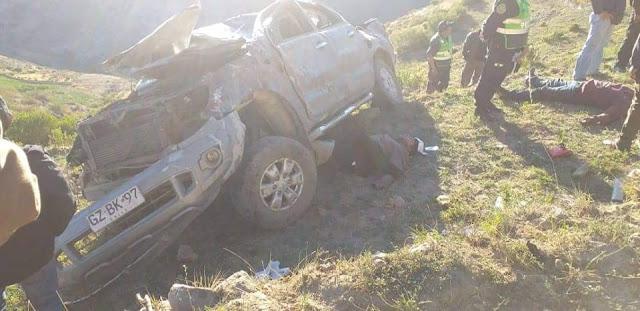 Camioneta se despista y vuelca en el distrito de Cairani