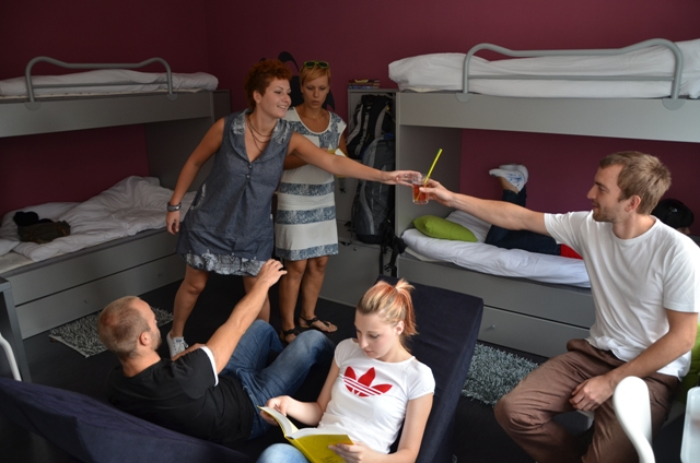 Differences Between a Hostel and Hotel
