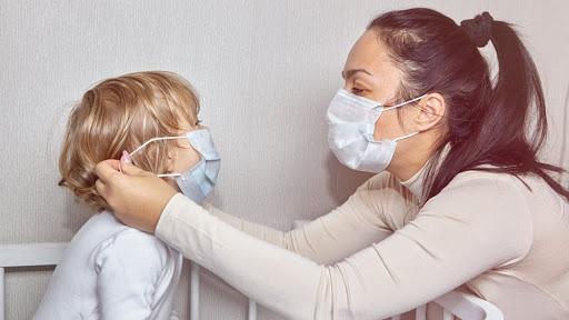 haruskah-mengenakan-masker-saat-di-rumah-sendiri