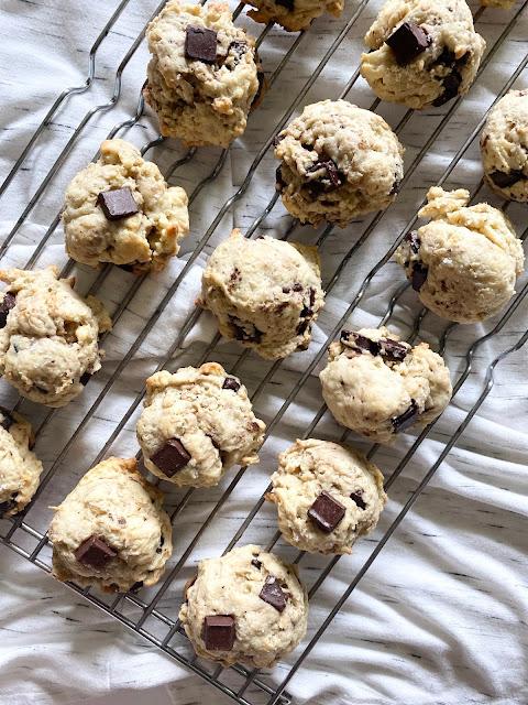 dark chocolate sea salt cookie #sweetsavoryeats #cookies