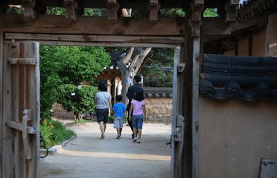 tempat yang unik tradisi korea diminati wisatawan asing