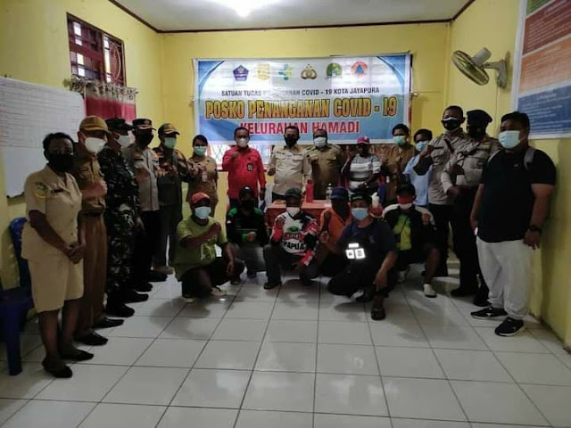 AKBP Supraptono Dampingi Rustan Saru Tinjau Posko Covid-19 di Jayapura