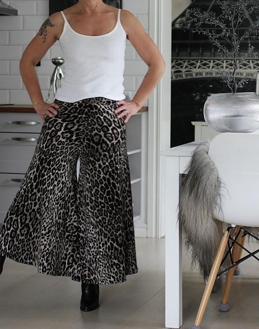 annelies design, webbutik, webbutiker, webshop, nätbutik, kläder, leo, leopard, leopardmönstrad, leopardmönstrat, leopardmönstrade, byxkjol, kjol, byxa, byxor, ,