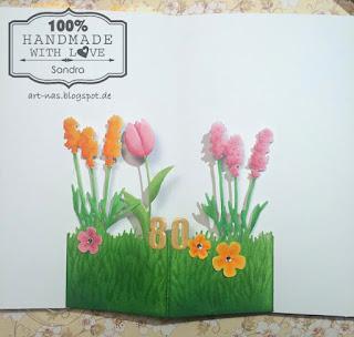 Ausgestanzte Blumen von JoyCrafts, Rayher und Leane Creatief. Bemalt mit Copics, Grasbordüre von Precious Marieke
