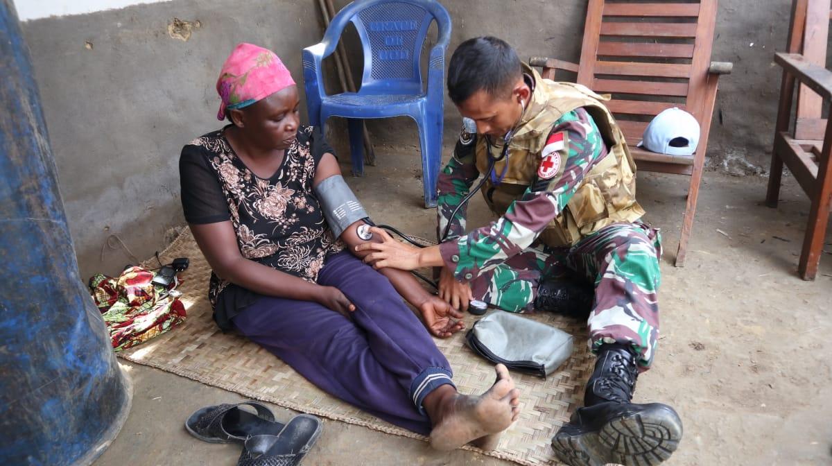 Aksi Sigap Satgas Kontingen Garuda Beri Bantuan Korban Kebakaran di Shabunda Kongo