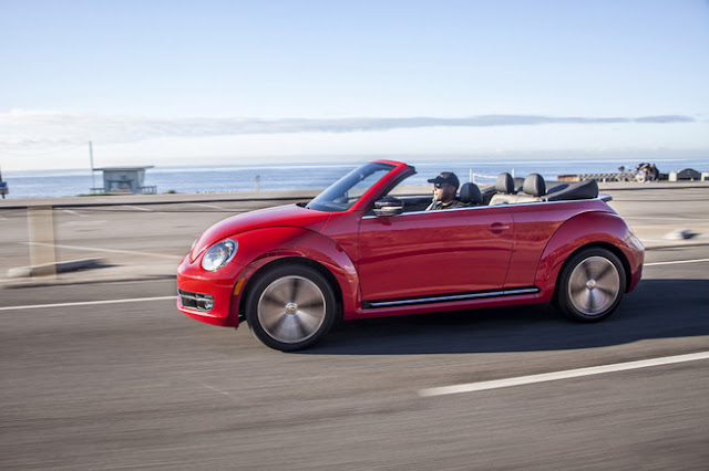 2013 Volkswagen Beetle Cabrio Side