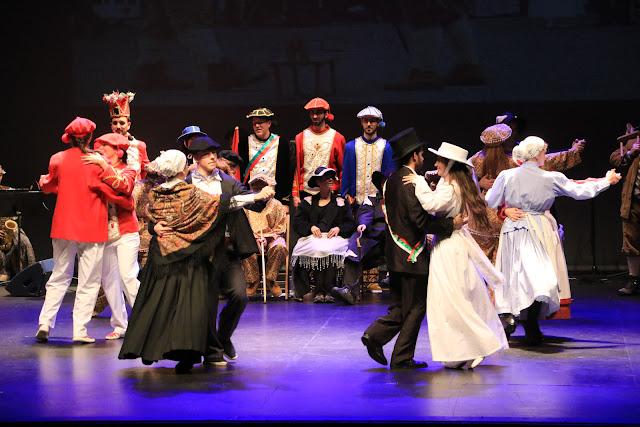 El grupo de danzas Ibarra-Kaldu