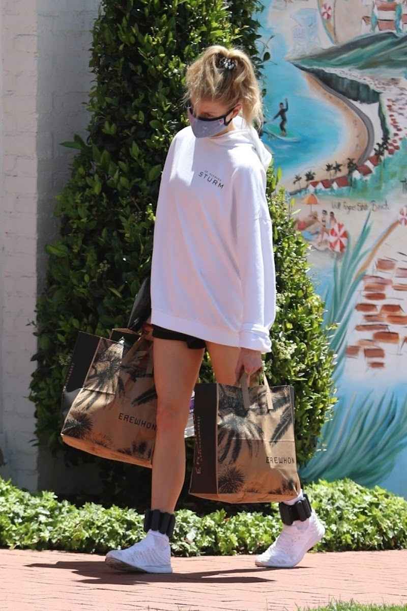 Charlotte McKinney Spotted While Shopping at Erewhon Market in Pacific Palisades 6 May -2020