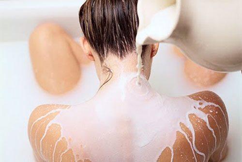 Phương pháp tăng kích thước ngực bằng sữa tươi từ A – Z