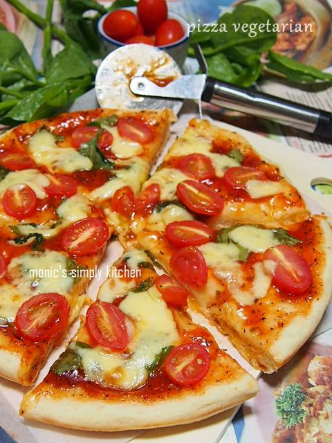 resep pizza vegetarian tomat ceri bayam