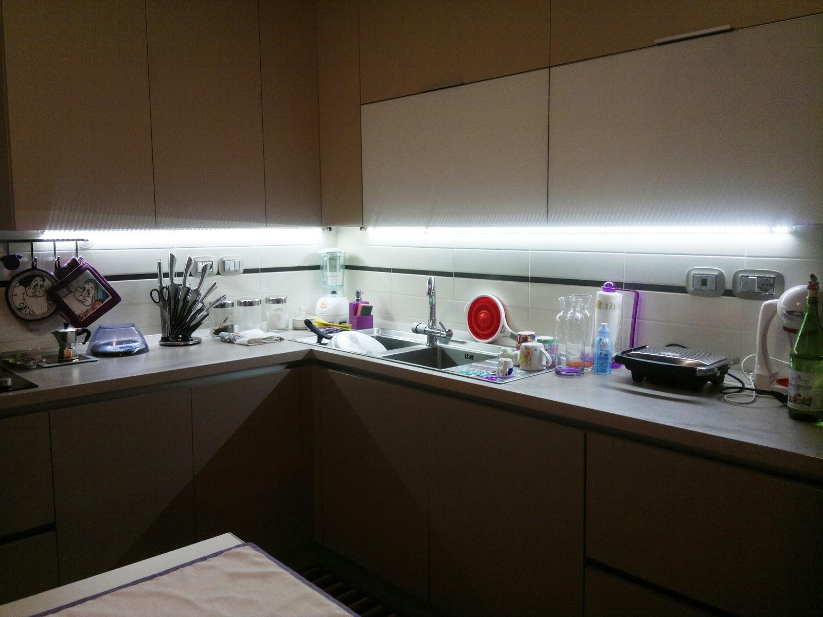 Illuminazione led casa - Led in cucina ...