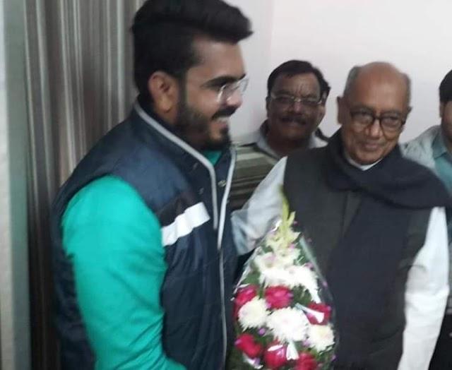 दिग्गी राजा के साथ दीपू भार्गव की मुलाकात का खुला राज.. सोशल मीडिया पर तस्वीर वायरल होने के बाद दीपू ने अपने समर्थकों से की मर्मस्पर्शी अपील..