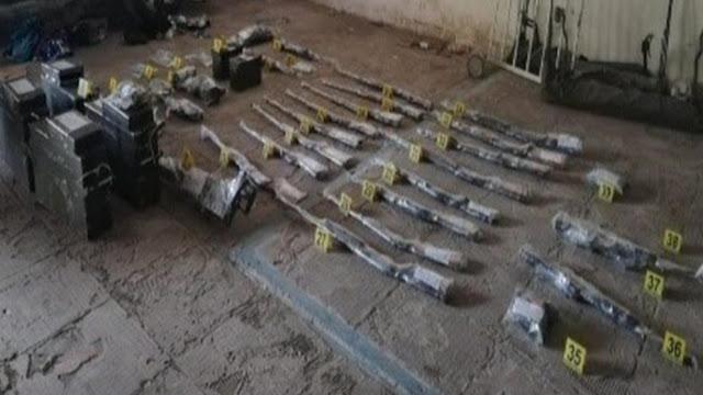 """Encontraron armas de la Guardia Nacional en búnker del CJNG que """"Pobladores"""" le quitaron a los elementos en la presa La Boquilla, en Chihuahua"""