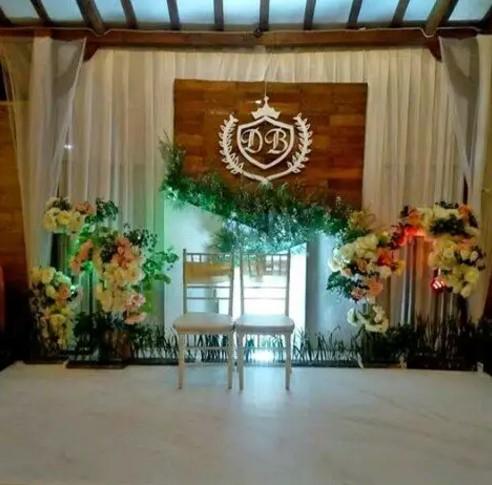 dekorasi pernikahan sederhana dengan kain