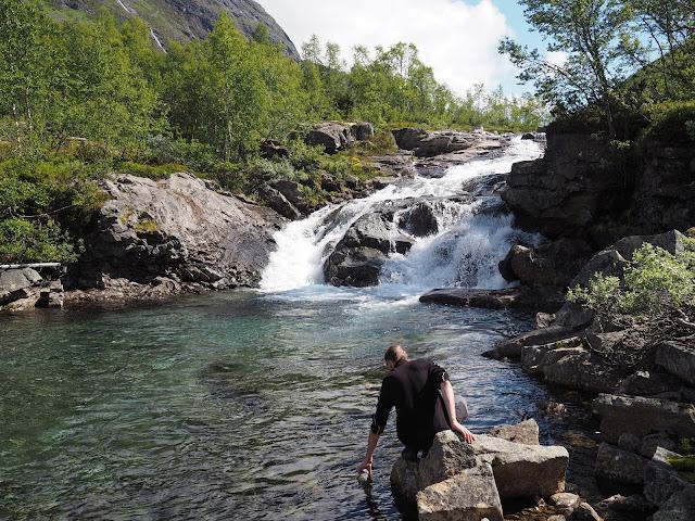 Pitný režim, voda, řeka, příroda, Norsko, Jotunheimen, pijeme vodu z ledovců