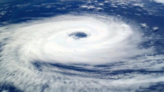 Pasukan Khusus AS Foto Badai Terjang Bumi Bikin Merinding