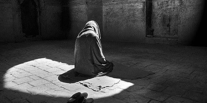 Fudhail bin Iyadh Mantan Perampok yang Jadi Guru Imam Syafi'i