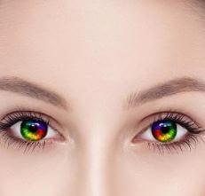 لماذا تختلف ألوان العيون لدى الناس؟
