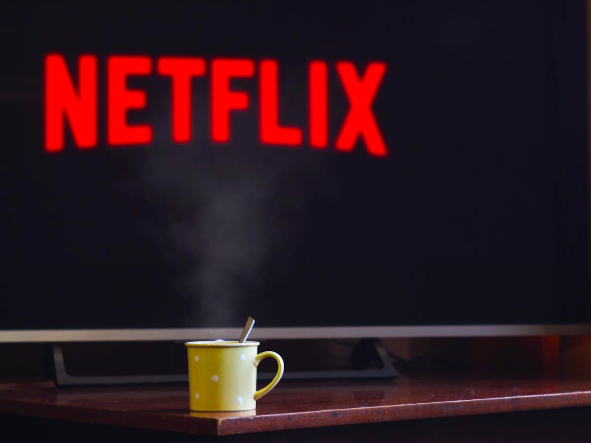 Netflix divulga lista de séries e filmes mais assistidos em 2020, no Brasil