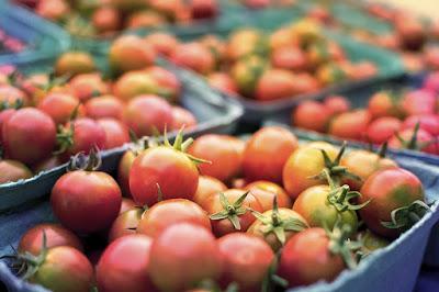 Manfaat tomat untuk wajah berjerawat dan berminyak