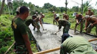 Pasukan US Navy dan Marinir Indonesia Perbaiki Jalan di Kepulauan Mentawai