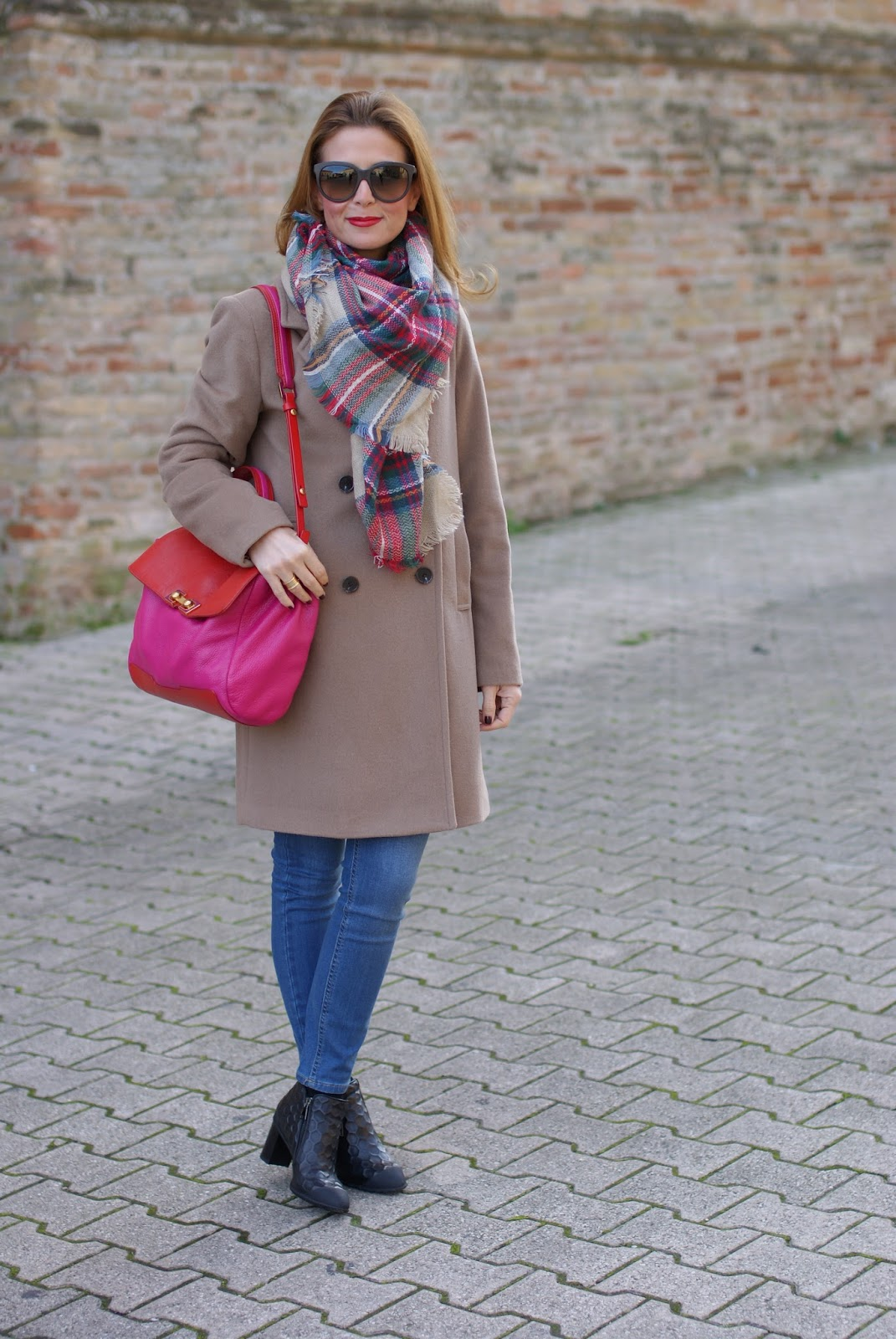 Camel boyfriend coat and Roberto Botticelli shoes on Fashion and Cookies fashion blog, fashion blogger style