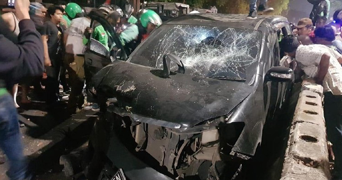 Diduga Serempet Pengguna Jalan di Pancoran, Oknum Polisi Diamuk Massa