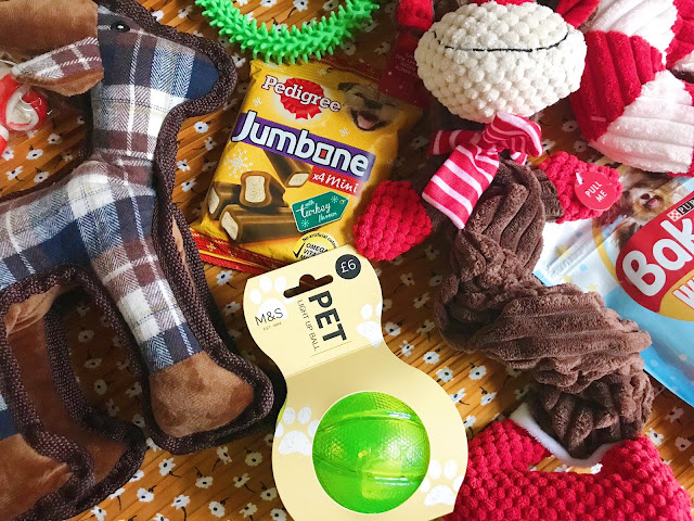 Webbox reindeer toy, pedigree treats, light up ball, rope reindeer, candy cane toy