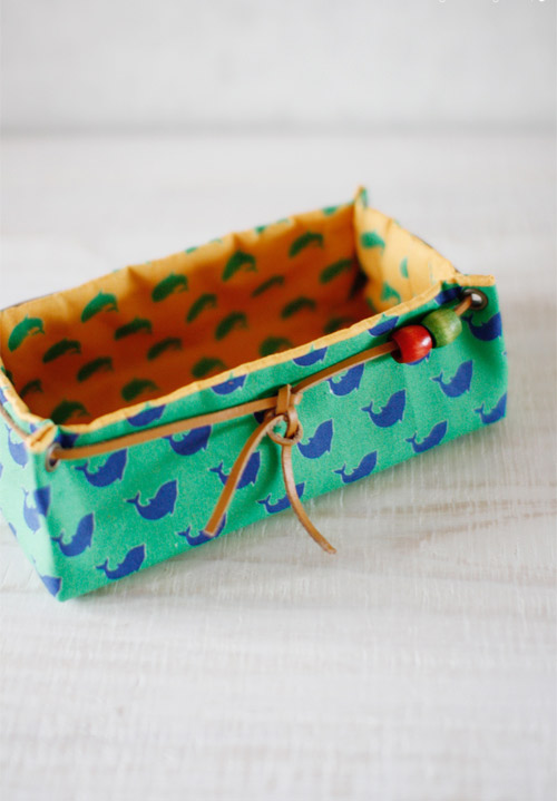 Fabric Basket Tutorial Fabric Storage Box. DIY tutorial in pictures.
