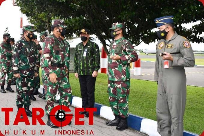 Danrem 081/DSJ Sambut Panglima TNI di Lanud Iswahjudi Magetan