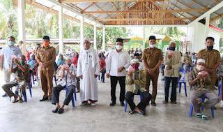 Bupati Labuhanbatu Pantau Penyerahan BLT. DD di Desa Tanjung Medan