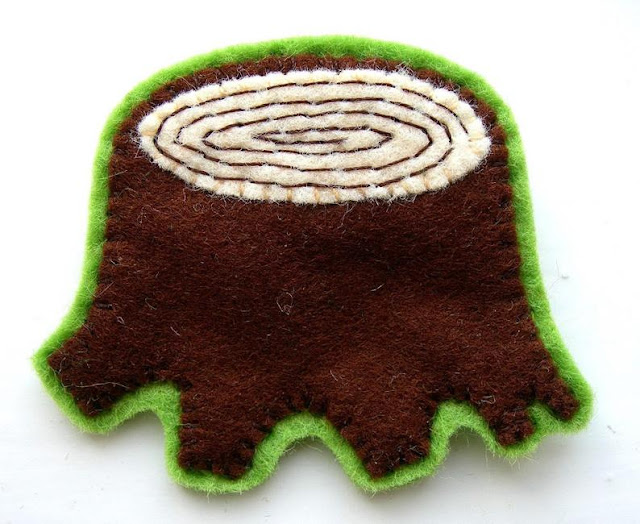 felt tree stump woodland brooch PDF sewing pattern