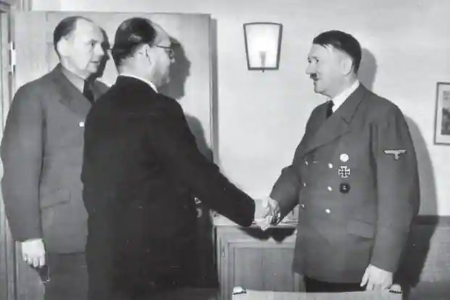 Hitler and Bose 27 May 1942 worldwartwo.filminspector.com